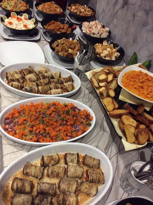 dei piatti a base di verdura e altre specialità'