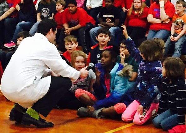 Dentist Dr. Moody at Woodland Elementary School in Edwardsville