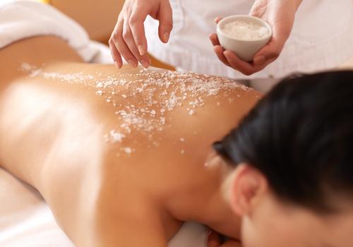 massaggio con scrub