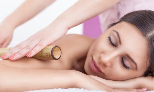 massaggio con canne di bambù