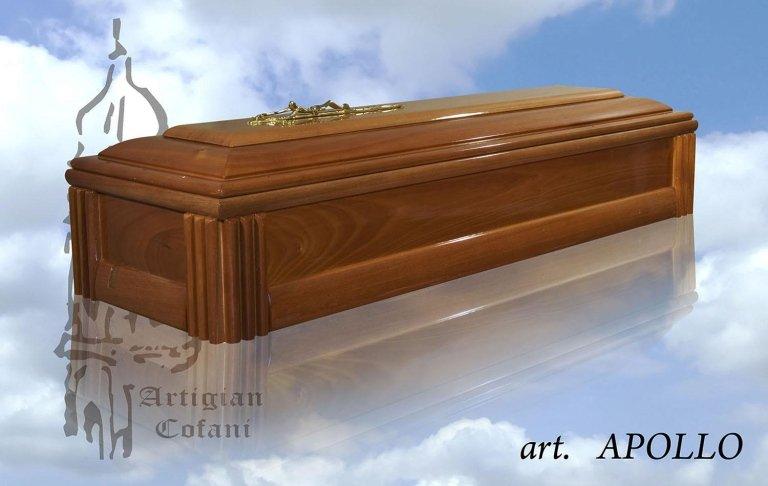 una bara in legno modello Apollo