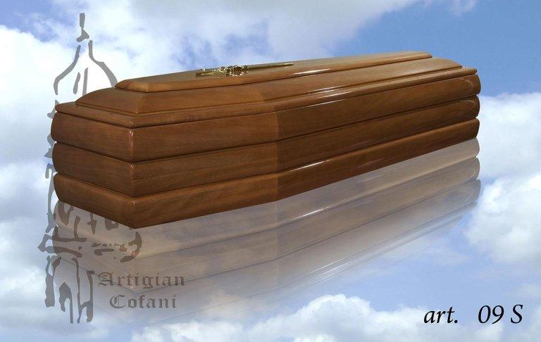 una bara in legno modello 09 S