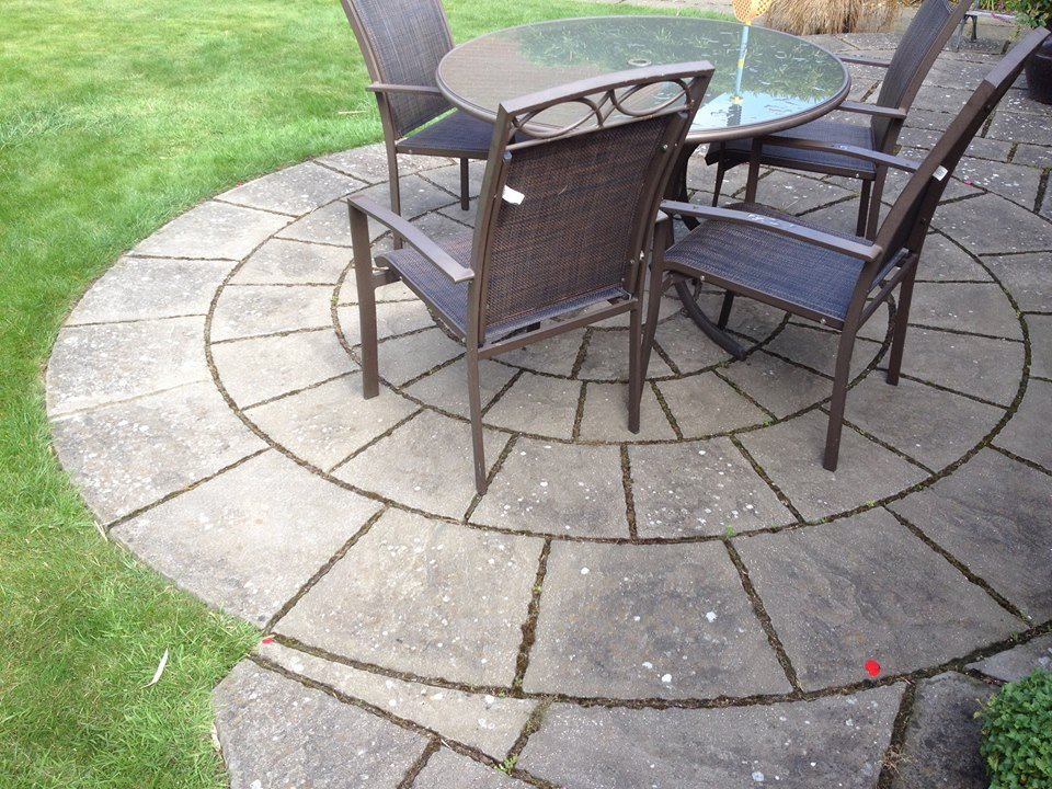 garden area paving with chairs