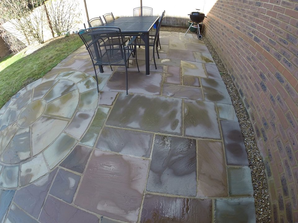 garden area paving before cleaning