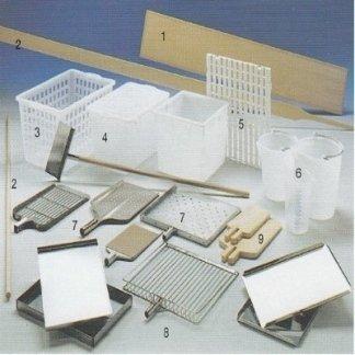 tavole in legno con testata con attrezzature per Cucina