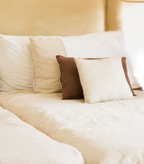 new look drycleaners laundry and linen service hotel bed