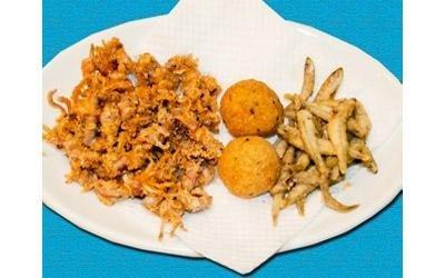 frittura mista di calamaretti e maccheroncini