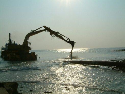 lavori-condotta-sottomarina-mola-di-bari-(2).jpg