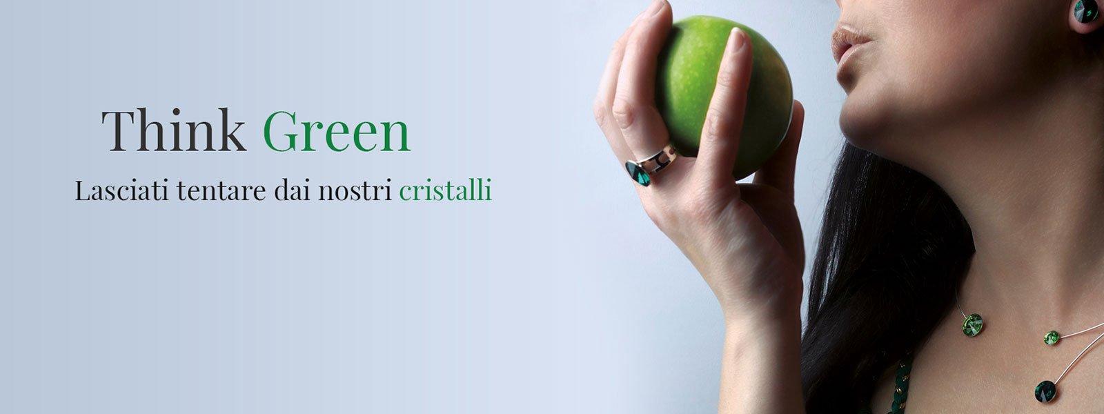Pubblicitá della dita con il colore verde