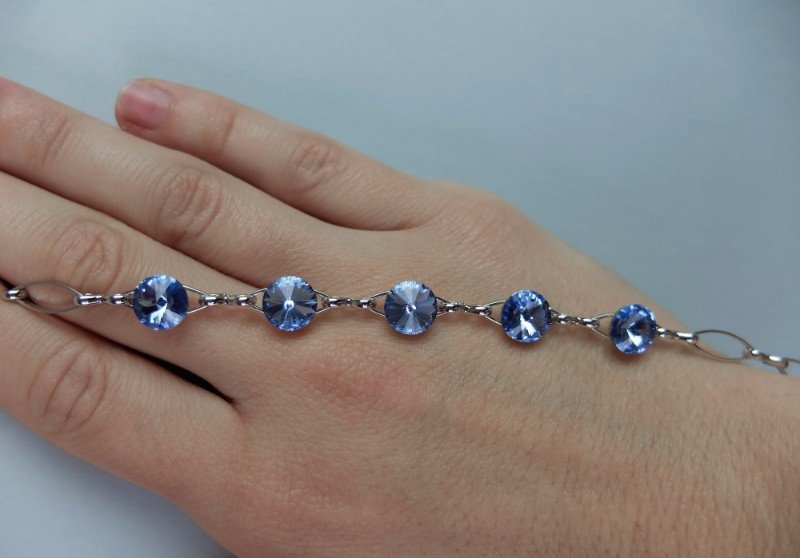 Braccialetto d'argento con vetri blu