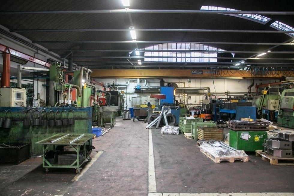 Interno del capannone operativo