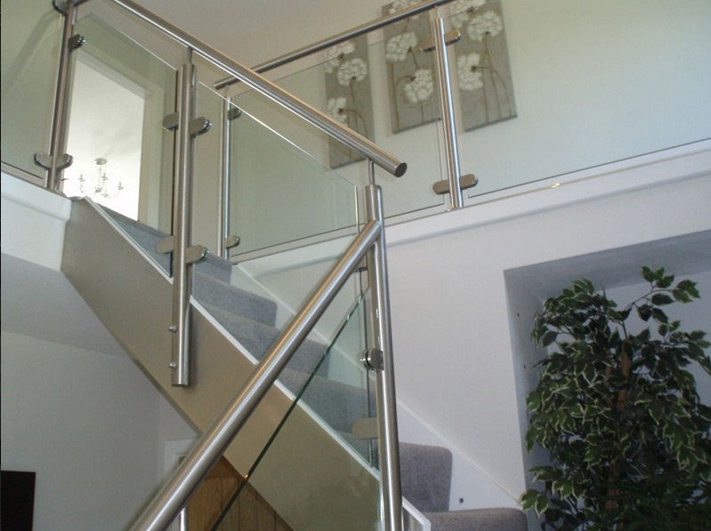 Glass balustrade on a staircase