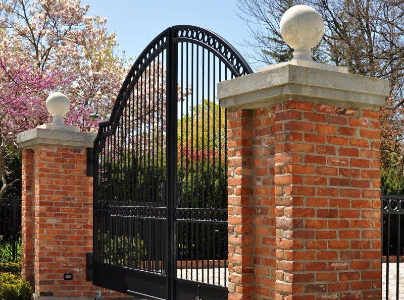 Cancello in ferro ad arco