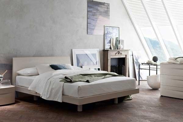 Camera da letto chiara