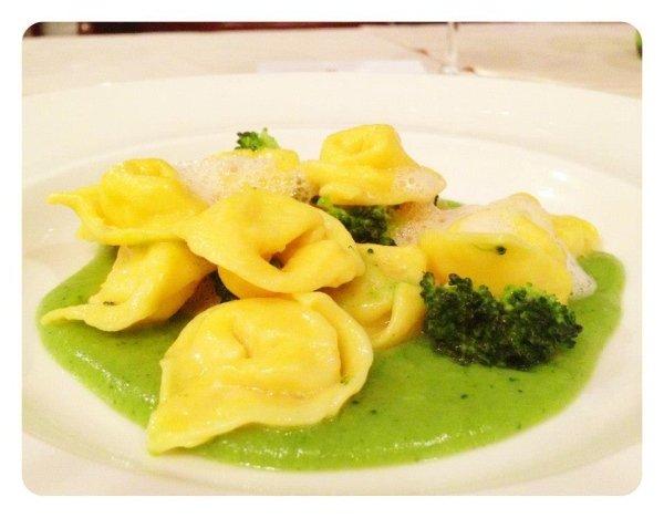 Cappelletto al Baccalà, Crema di Broccoli e Aria di Pesce
