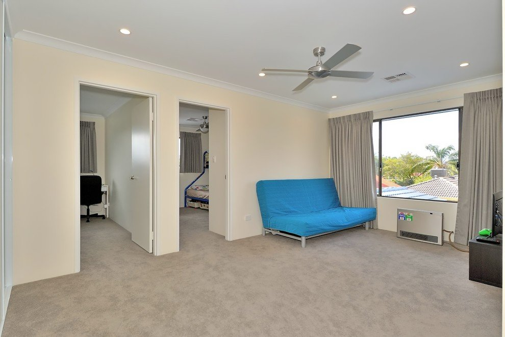 room with two bedrooms adjacent