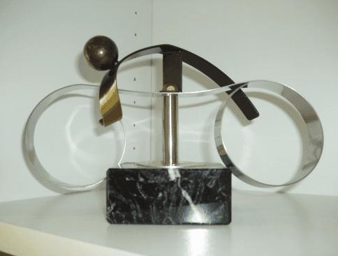 trofei motociclistici, realizzazione in vetro metallo, trofei in vetro