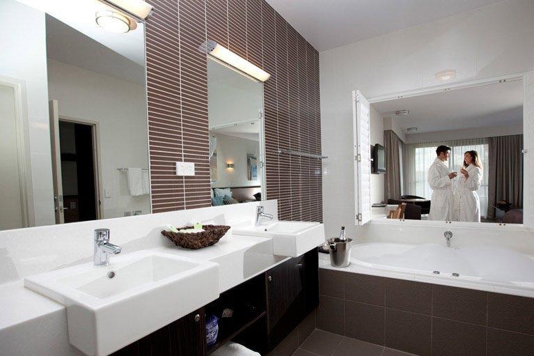 Macquarie Inn Platinum Room