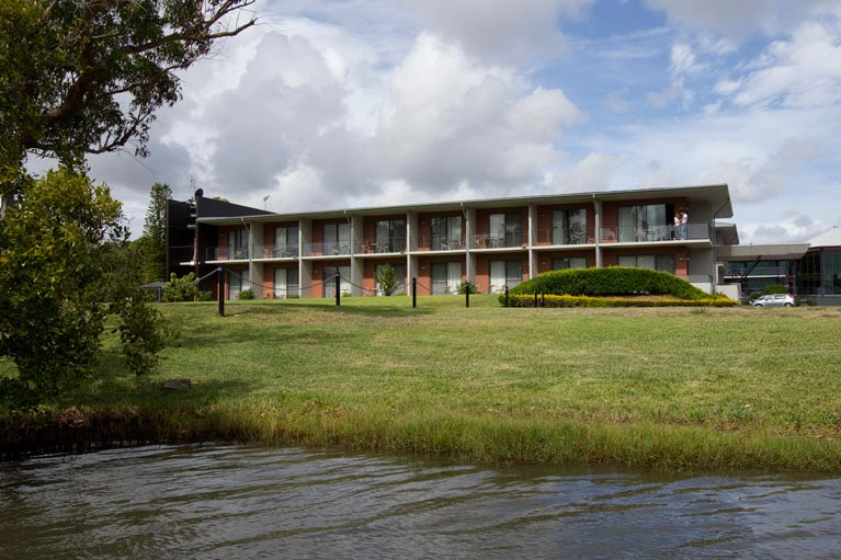 Macquarie Inn Bronze rooms