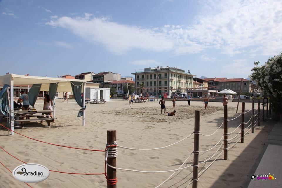 Spiaggia tirrenia oasi del mare