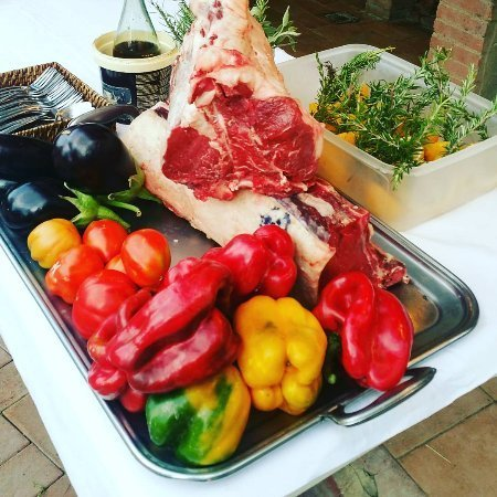verdure fresche e tagliata di carne