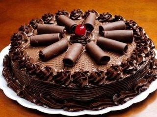 paste con frutta, paste alla crema, pasticcini con cioccolato