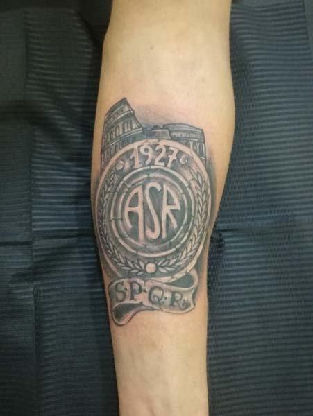 Tatuaggio su braccio