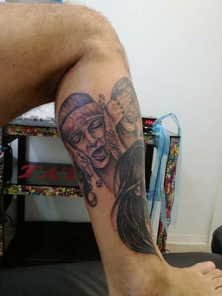 Tatuaggio su coscia