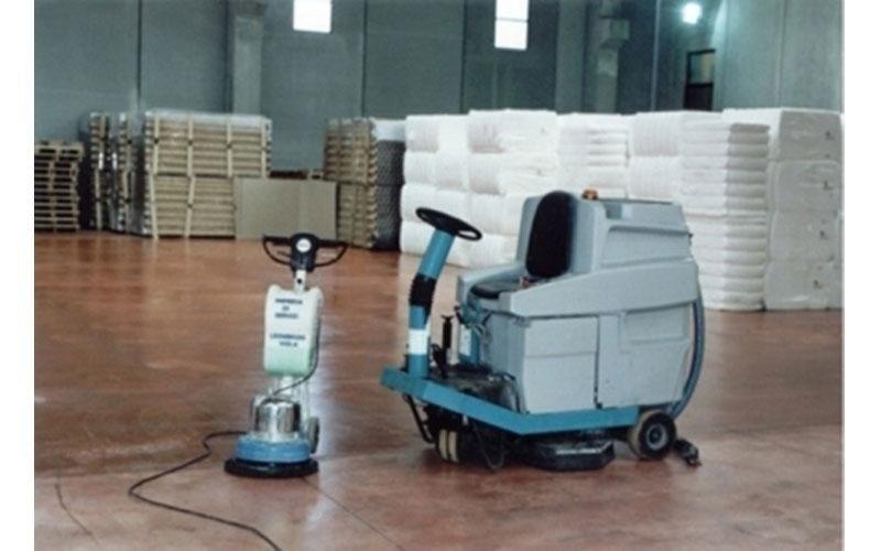 lucidatura pavimento a resina