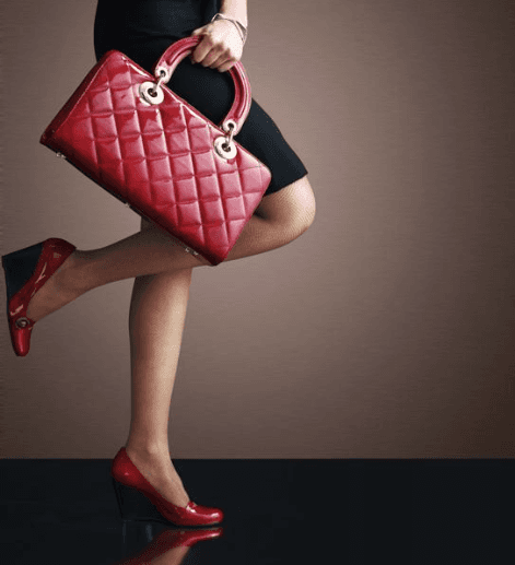 Vendita borse e scarpe da donna a Taormina