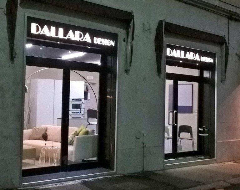 nuova esposizione mobili