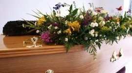 servizio ambulanza, cuscini floreali, composizioni floreali