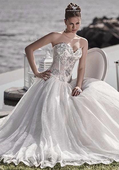 atelier vestiti da sposa in seta ricamati