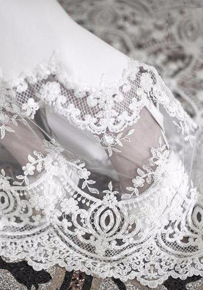 abiti da sposa ricamati Giulio Lovero