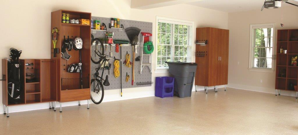 Professional in organizing custom services