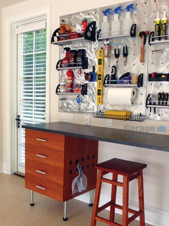 Professional in organizing kitchen services
