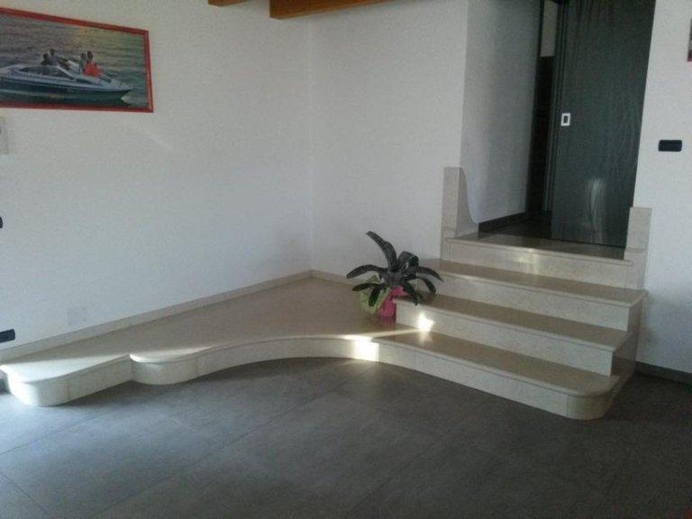 Scala in marmo verona