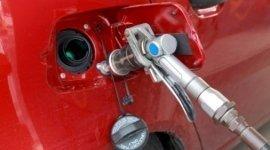 rifornimento gas auto