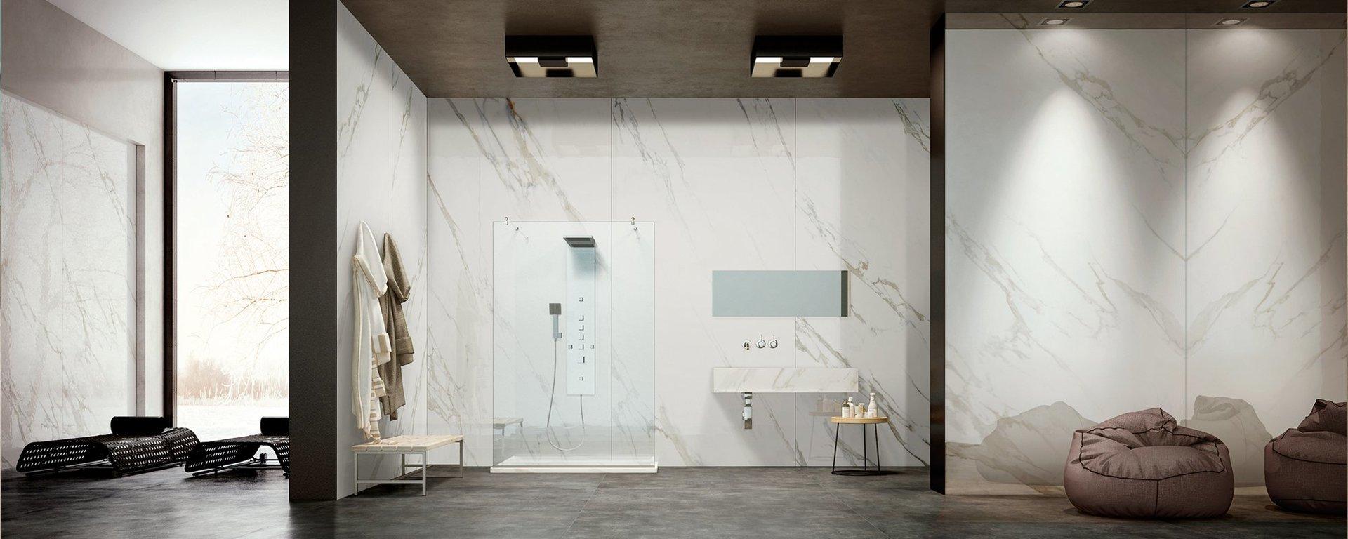bagno con doccia arredamento moderno