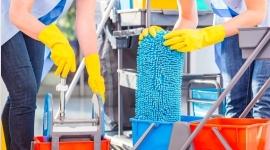 pulizie esercizi commerciali, lucidatura, pulizia finestre