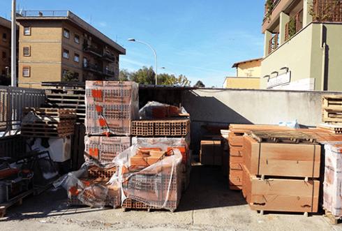 bancali di materiale edile