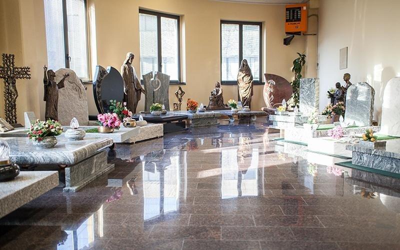 vendita statue funebri milano