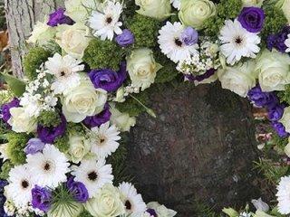 cofani e corone di fiori.jpg