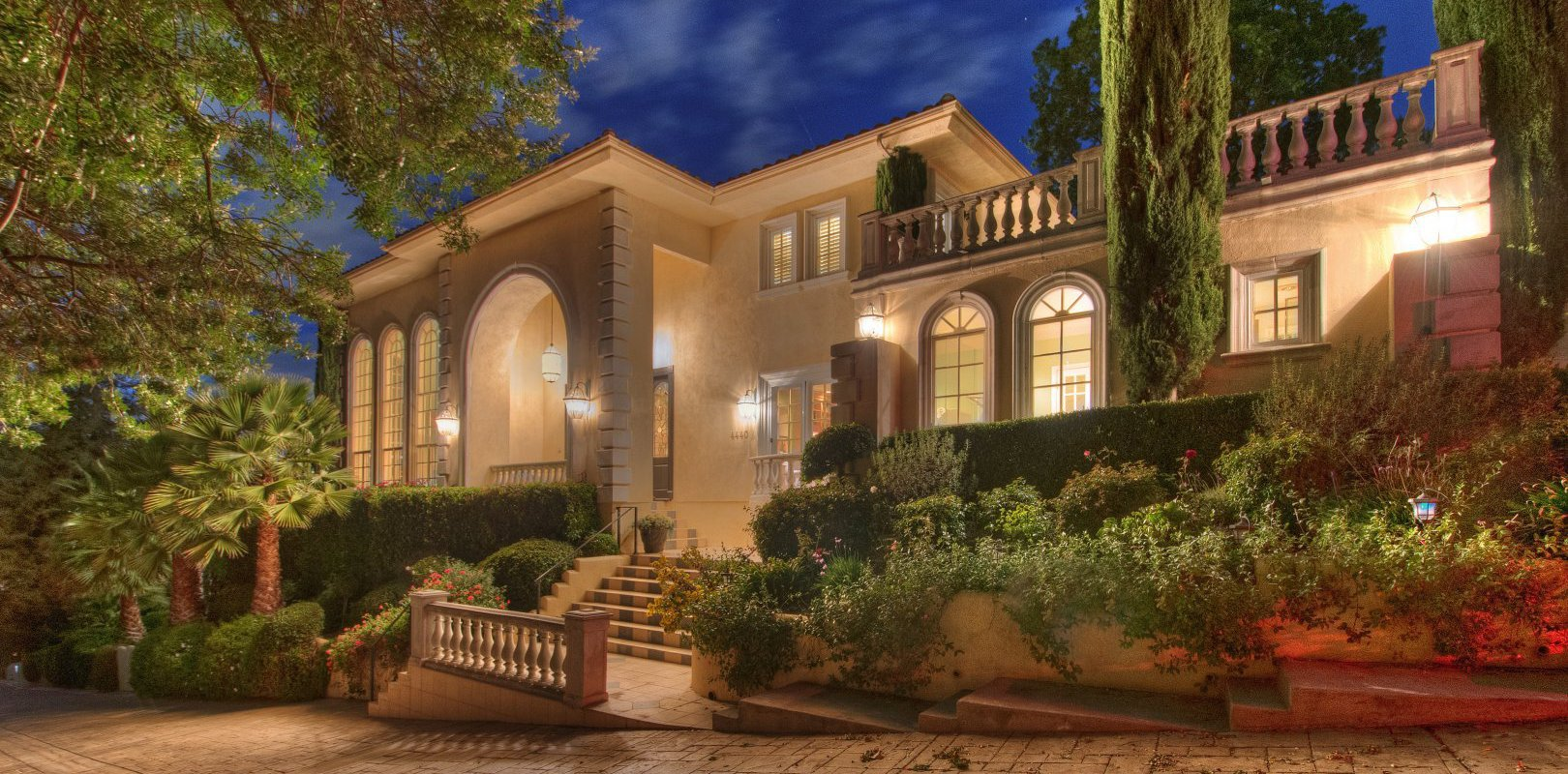 Beautiful Mediterranean Villa in Encino
