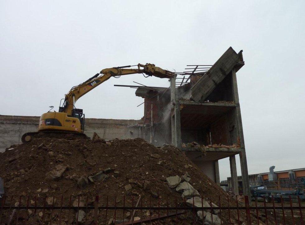 Demolizione palazzina uffici