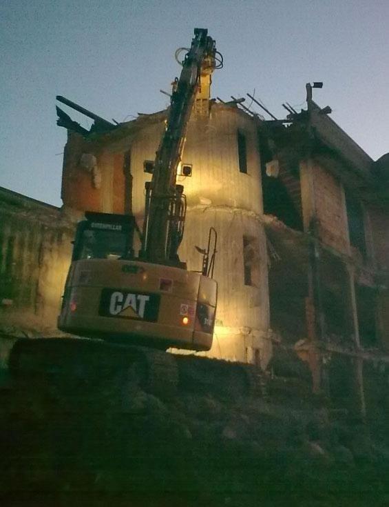 Demolizione capannone industriale
