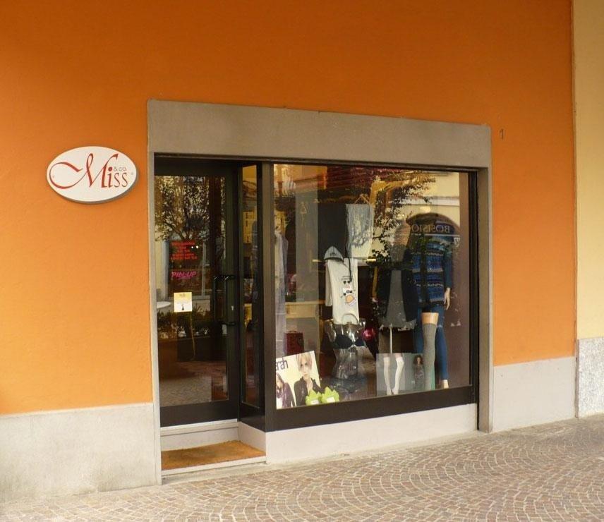 Ristrutturazione negozio in centro a Merate