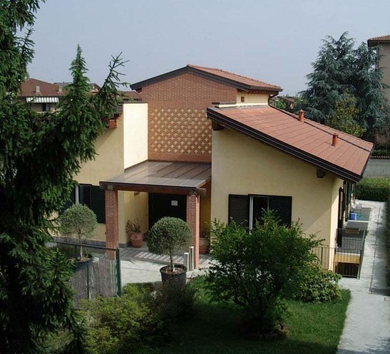 Costruzione edificio casa famiglia