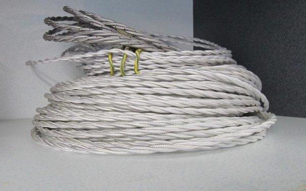 Un cavo di treccia grigio