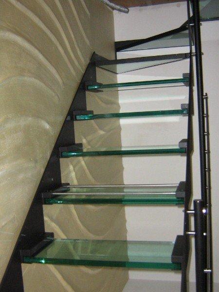 Scale in vetro e metallo